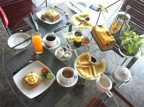 Apa Villa Thalpe : breakfast : many things but nothing was good