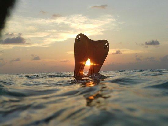 Asdu Sun Island: snorkeling al tramonto