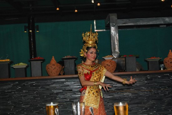 Mantra Samui Resort:                   Thai night