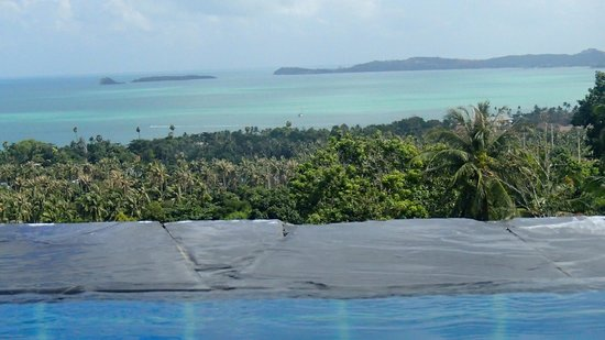 Mantra Samui Resort:                   breath-taking view from infinity pool