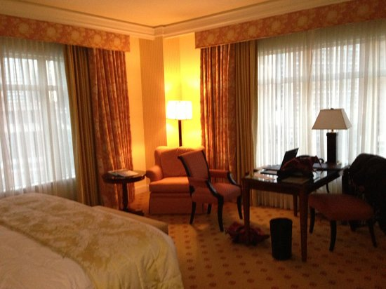 The Ritz-Carlton, Dallas:                   Room