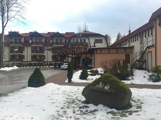 Hotel Anders :                   widok z parkingu
