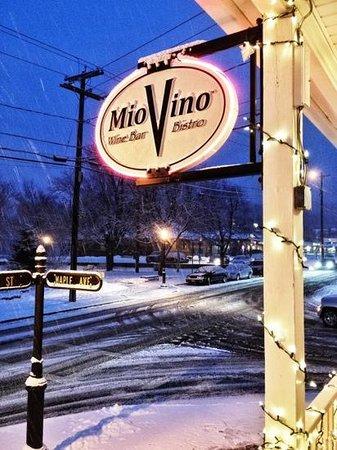 Mio Vino Wine Bar & Bistro: Front sign of Mio Vino