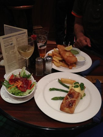 The Selkirk Arms Hotel:                                     Fab food
