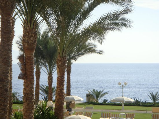 Stella Di Mare Beach Hotel & Spa:                   View from ground
