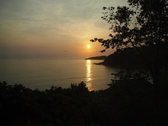 Six Senses Samui: Sunrise at 6 45 am from my room