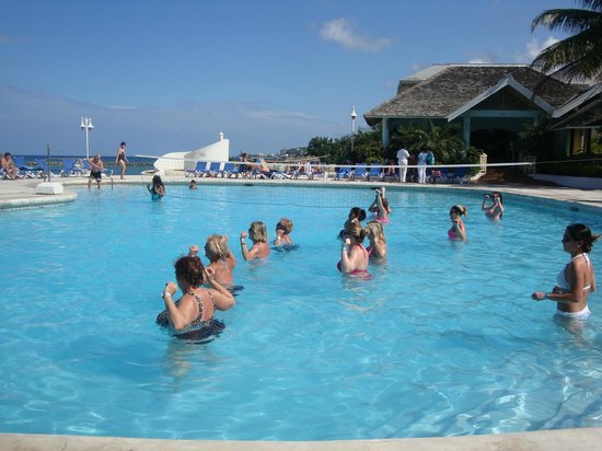 Sunset Beach Resort, Spa & Water Park:                                     Daily Zumba