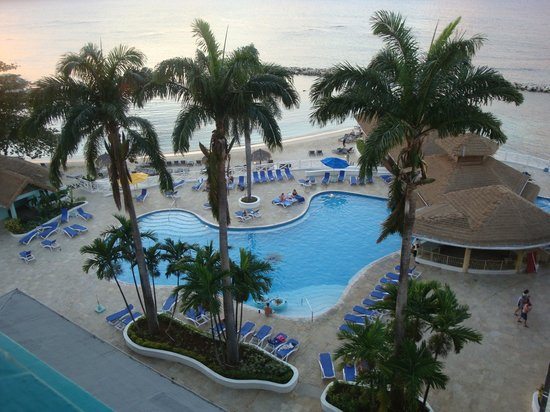 Sunset Beach Resort, Spa & Water Park:                                     Main Pool