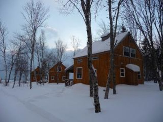 ‪‪Cabot Shores Wilderness Resort‬: Snow at Sunset! The perfect time to gather around the fire with a hot mug of cocoa!‬