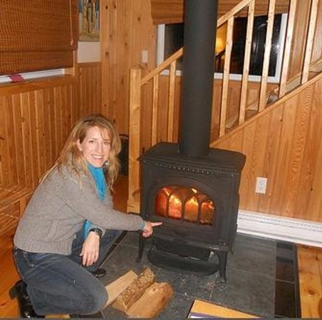 ‪‪Cabot Shores Wilderness Resort‬: Wood-fired stoves are perfect for cold winters!‬