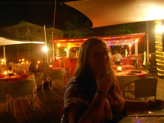 Alexandra Resort:                                     Dinner at the Mango Reef - Very Nice and Nice Ambience - Go