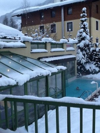 Hotel Kendler:                   outside pool