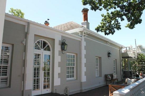 Trevoyan Guest House: Guest House mit Blick zum Wintergarteneingang