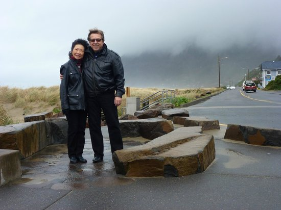 Cannery Pier Hotel:                   The beach in Manzanita on a rainy day