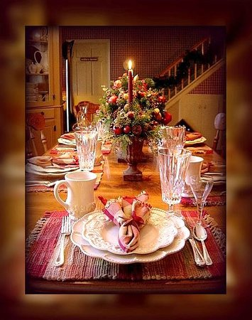 The Clarke House Bed & Breakfast: Welcome to Our Table