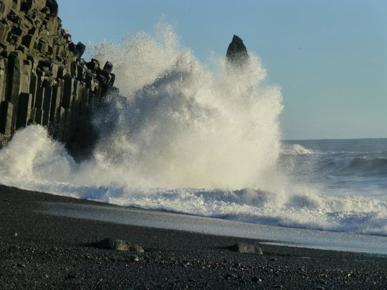 Gateway to Iceland:                   Amazing wave action