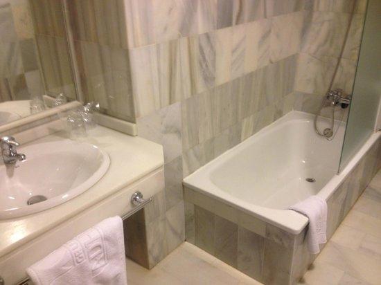 Hotel Murillo: SALLE DE BAIN