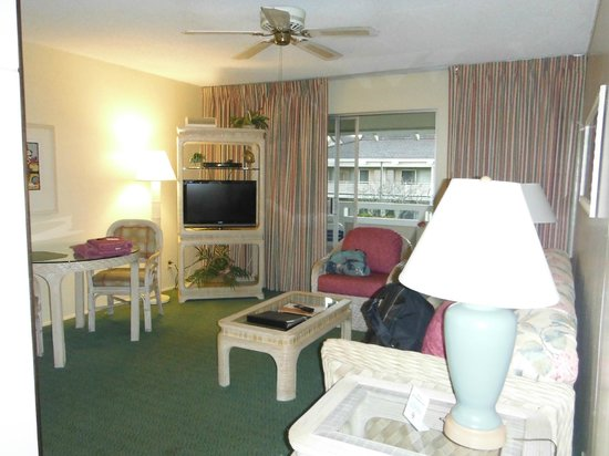 Plantation Hale Suites:                   Living room area