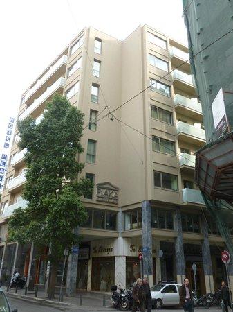 Ξενοδοχείο Πλάκα: Outside Hotel