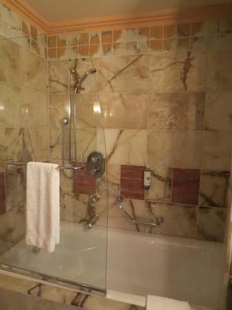 Art Deco Hotel Imperial:                   Banheiro