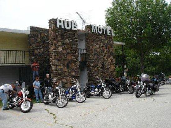 The Hub Motel:                   The Hub