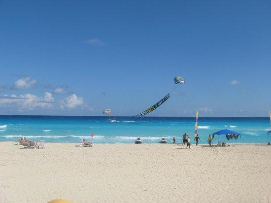 Fiesta Americana Condesa Cancun All Inclusive:                   the beach