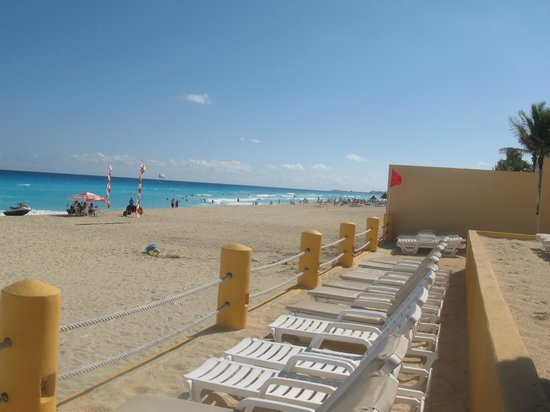 Fiesta Americana Condesa Cancun All Inclusive:                   view from the beach chair