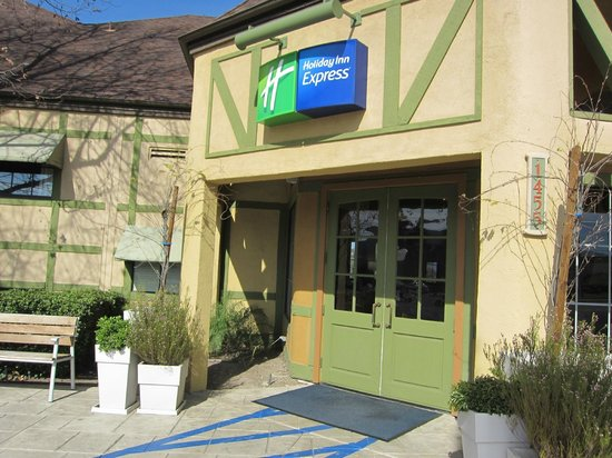 Holiday Inn Express Solvang:                   Hotel entrance.