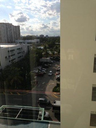 Four Points by Sheraton Miami Beach :                                                                         view from room 933