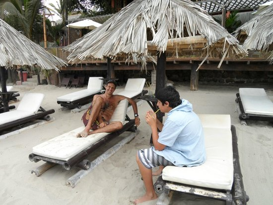 Las Pocitas Beach:                   descansando