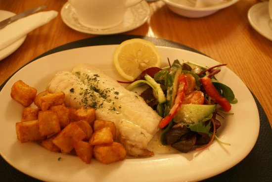 Dingle Benners Hotel:                   Breakfast-fresh catch of the day!