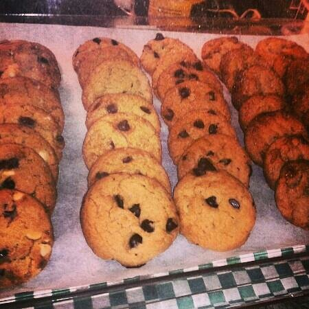 Tipton's Grill:                   fresh baked cookies