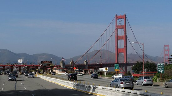 San Francisco Fire Engine Tours & Adventures :                   Leaving the 'Gate behind...