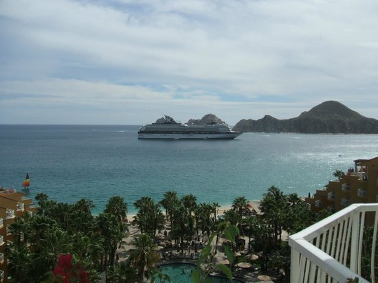 Villa del Palmar Beach Resort & Spa Los Cabos:                   Cruise ships come in every Wed.& Thurs.
