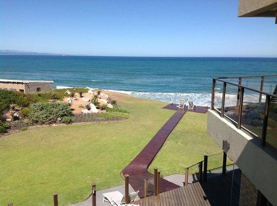 أفريكان أوشن مانور - بيت ضيافة:                   View to the beach from the room                 