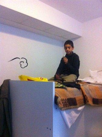 New Generation Hostel Urban Brera:                                     detail of private room