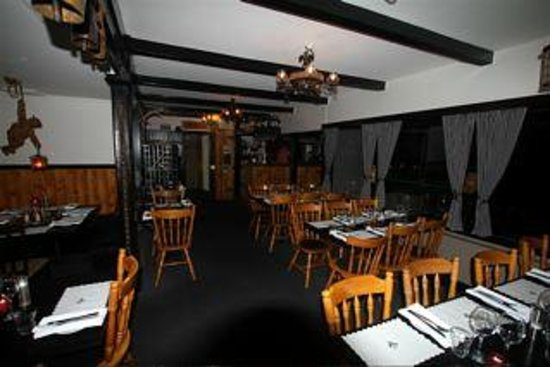Black Bear Inn: Restaurant