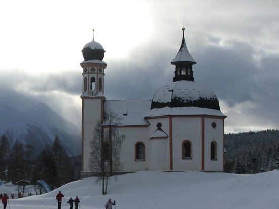 Aktiv & Spa-Resort Alpenpark:                   Near the start of the langlauf routes in Seefeld centre