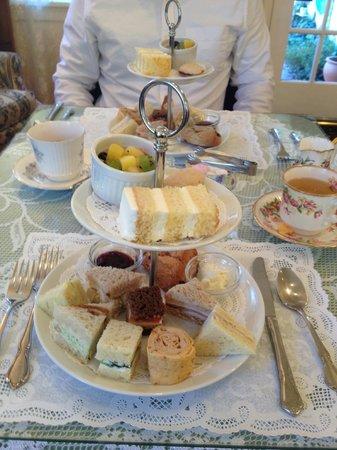 Dori's Tea Cottage & Cafe:                   Duchess Dorothy Sample