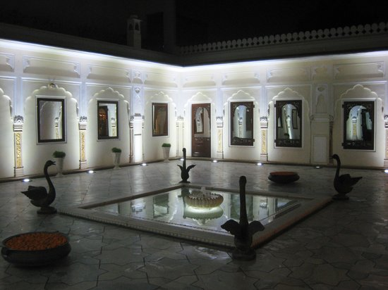 The Raj Palace Grand Heritage Hotel: Patio interior