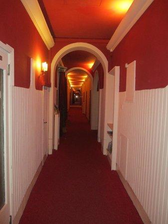 Hotel Benvenuti: hallway