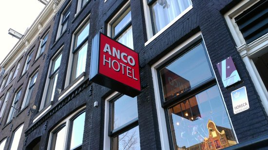 Anco Hotel: Front of hotel