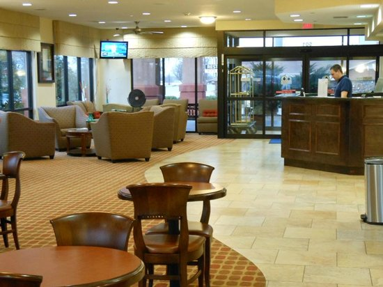 Best Western Plus Castlerock Inn & Suites: lobby area & front desk