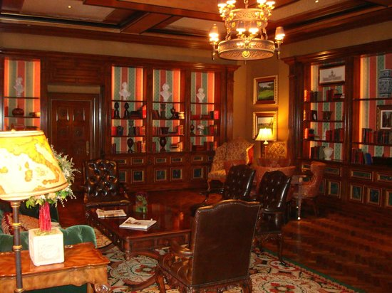 Fairmont Grand Del Mar: Library