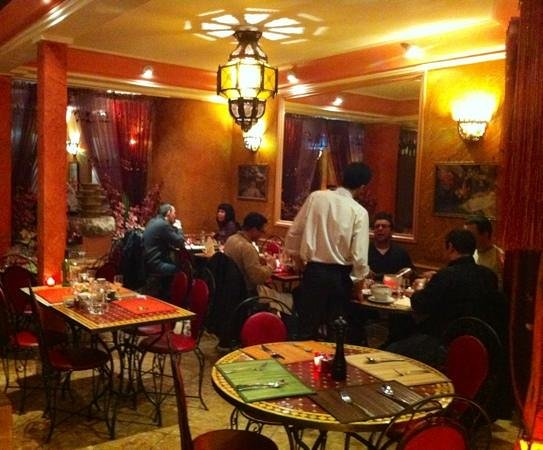 Le Berbère:                                     salle principale