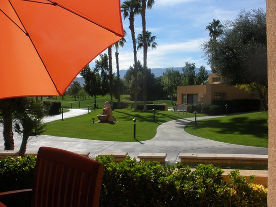 Westin Mission Hills Golf Resort & Spa: View from the patio at Pinzimini