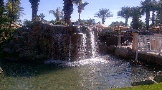 Westin Mission Hills Golf Resort & Spa: One of many water features