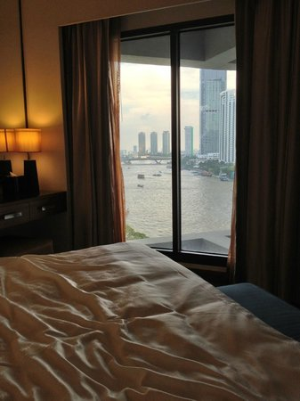 Royal Orchid Sheraton Hotel & Towers:                   Junior suite bedroom view