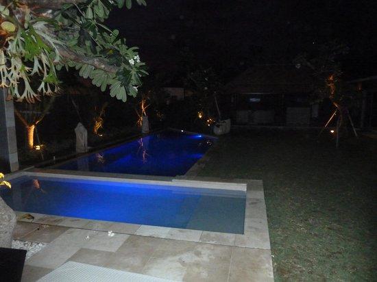 Villa Besar:                                     chilax