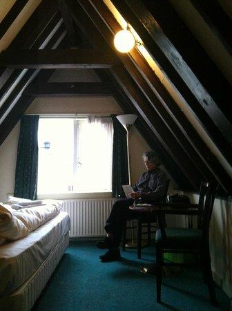 Prinsenhof:                   room 10